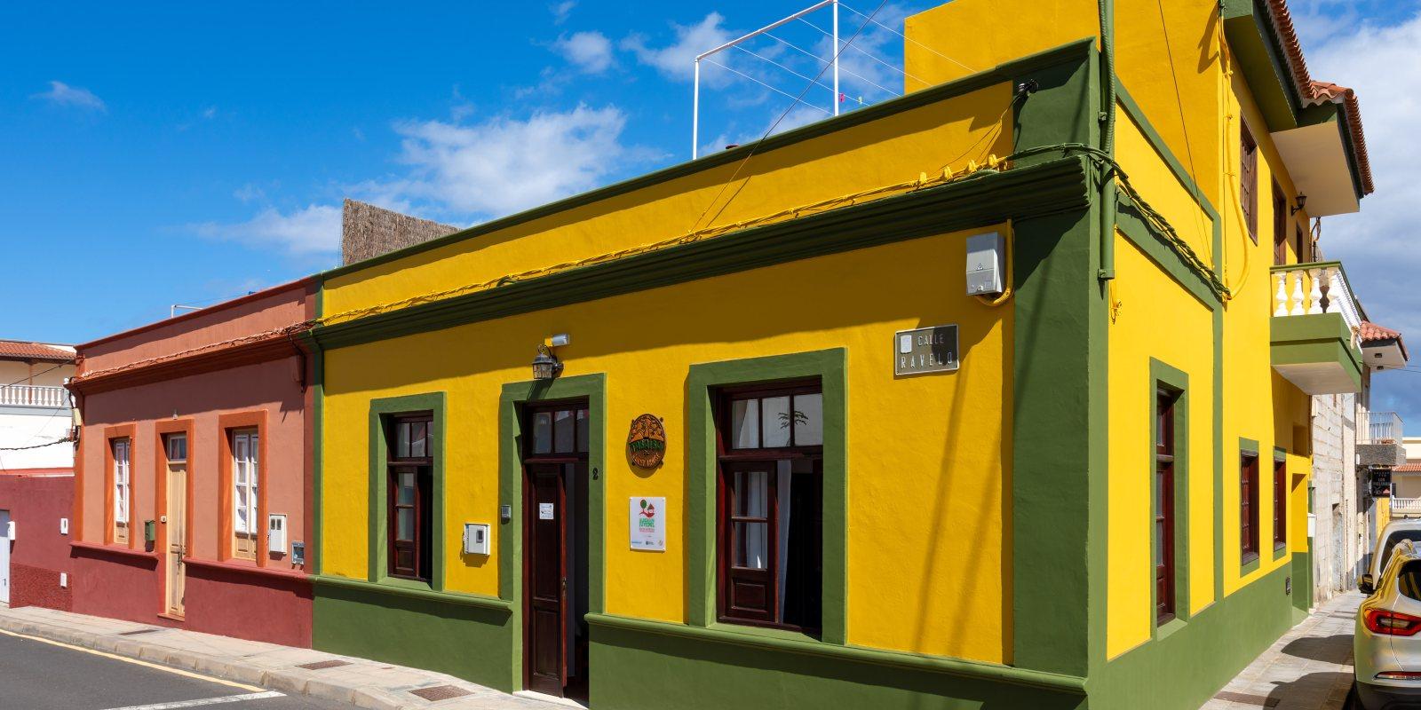 Casa típica canaria convertida en Tabaiba Guesthouse en el centro de Buenavista del Norte