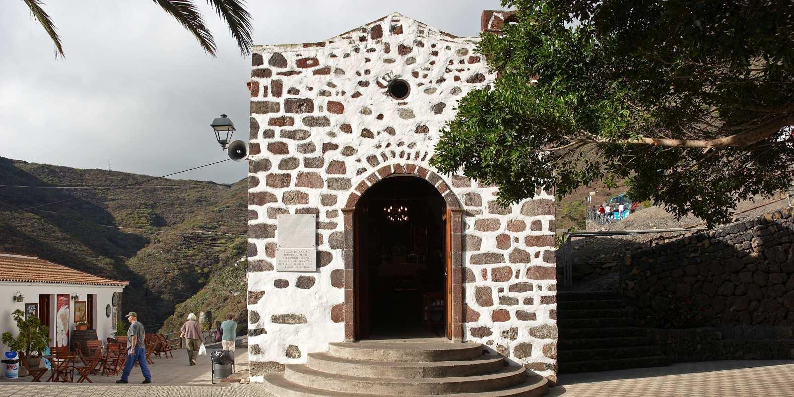 La idílica y original iglesia del pueblo
