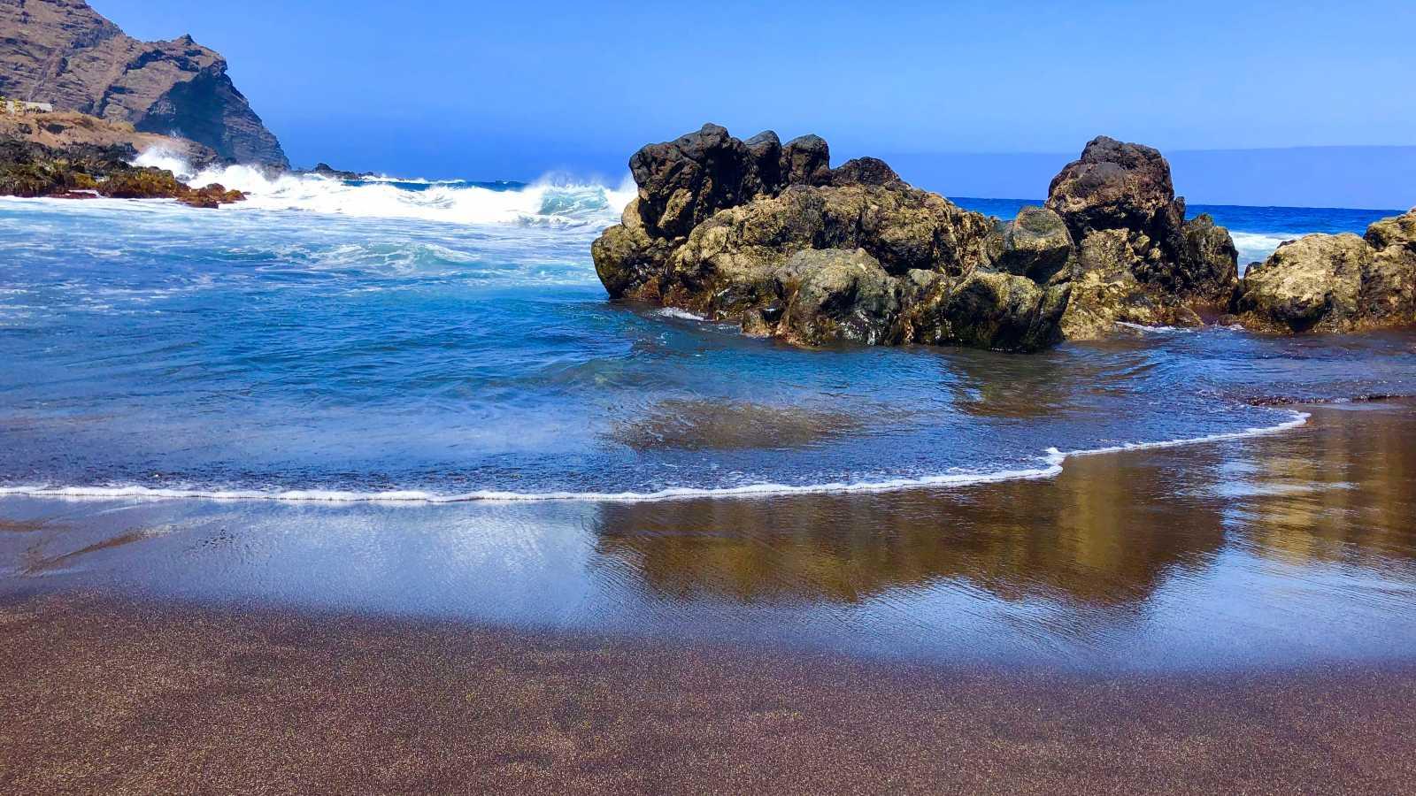 La plage de Las Arenas en été