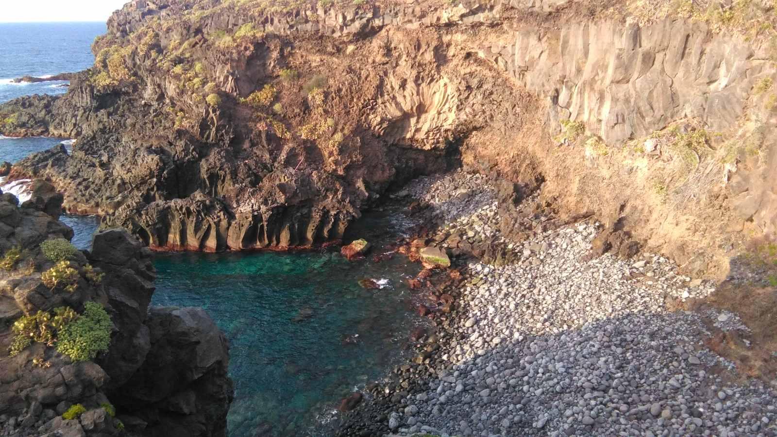 Margarita de piedra en la playa de Los Barqueros