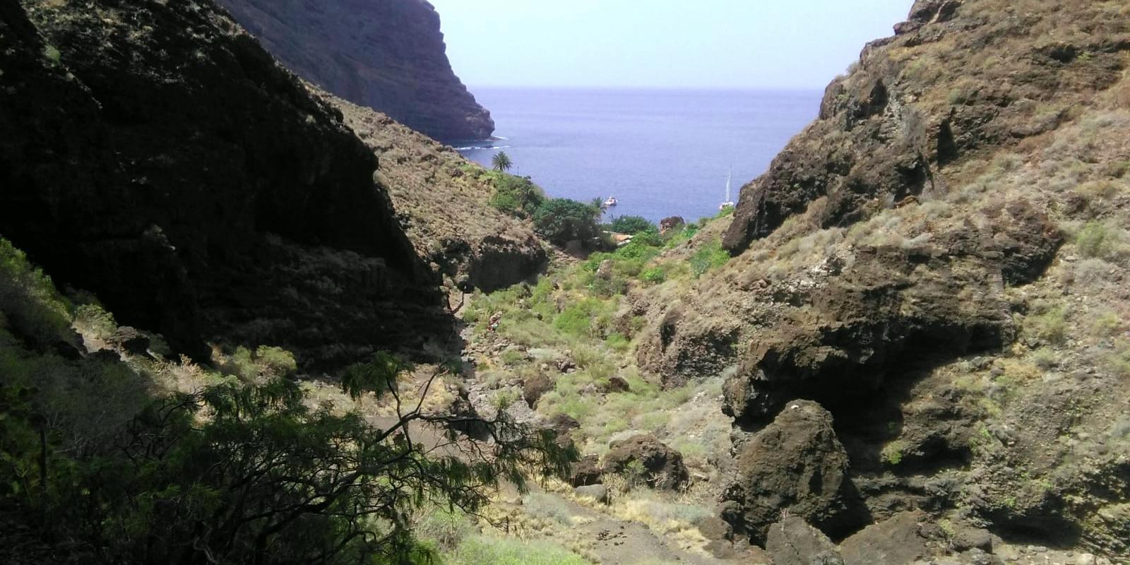 A pocos metros de la playa donde desemboca el barranco