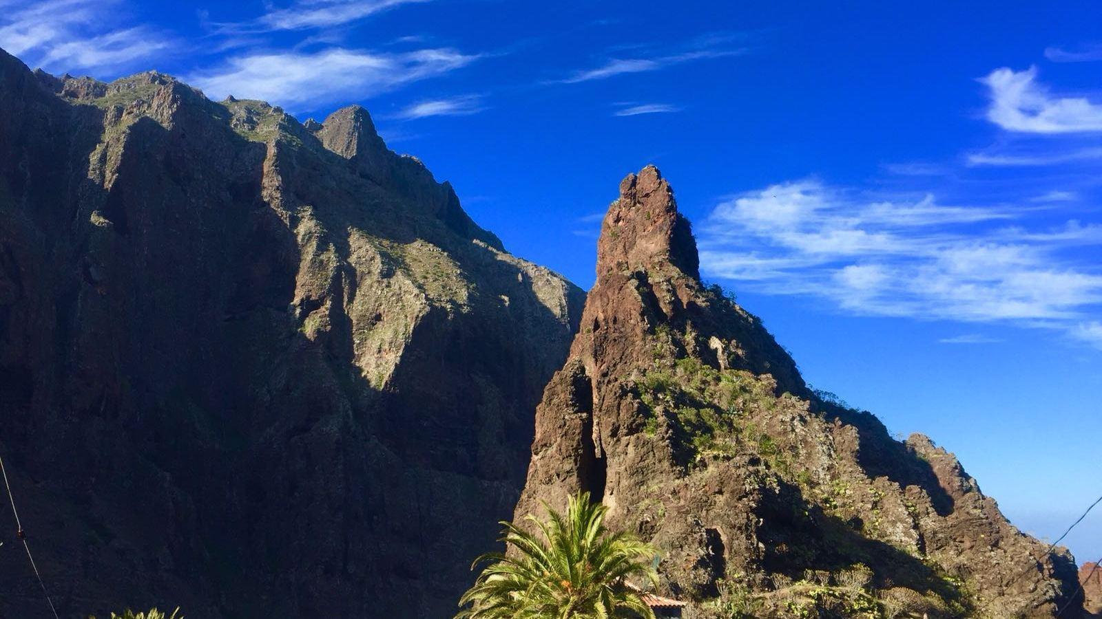Desde el autobús verás el sorprendente Roque de Catana